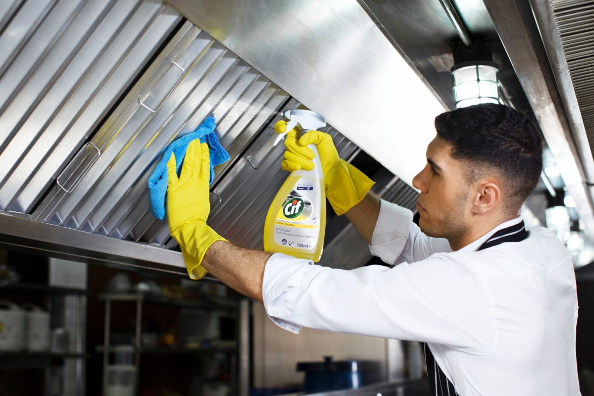 Ovens Cleaning for Busy Businesses